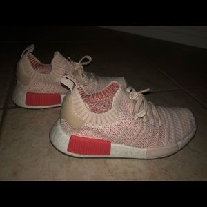 Women's NMD_R1 STLT PRIMEKNIT SHOES